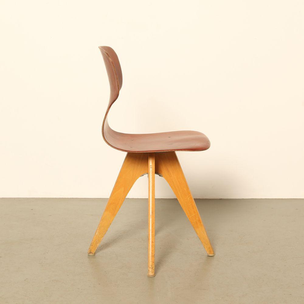 deutscher klassenzimmer stuhl von adam stegner f r pagholz fl totto 1950er bei pamono kaufen. Black Bedroom Furniture Sets. Home Design Ideas