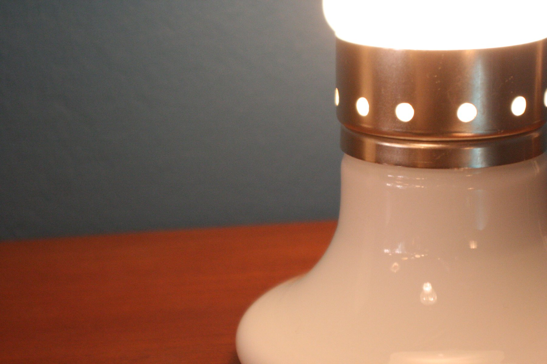 italienische vintage tischlampe aus geblasenem glas bei pamono kaufen. Black Bedroom Furniture Sets. Home Design Ideas