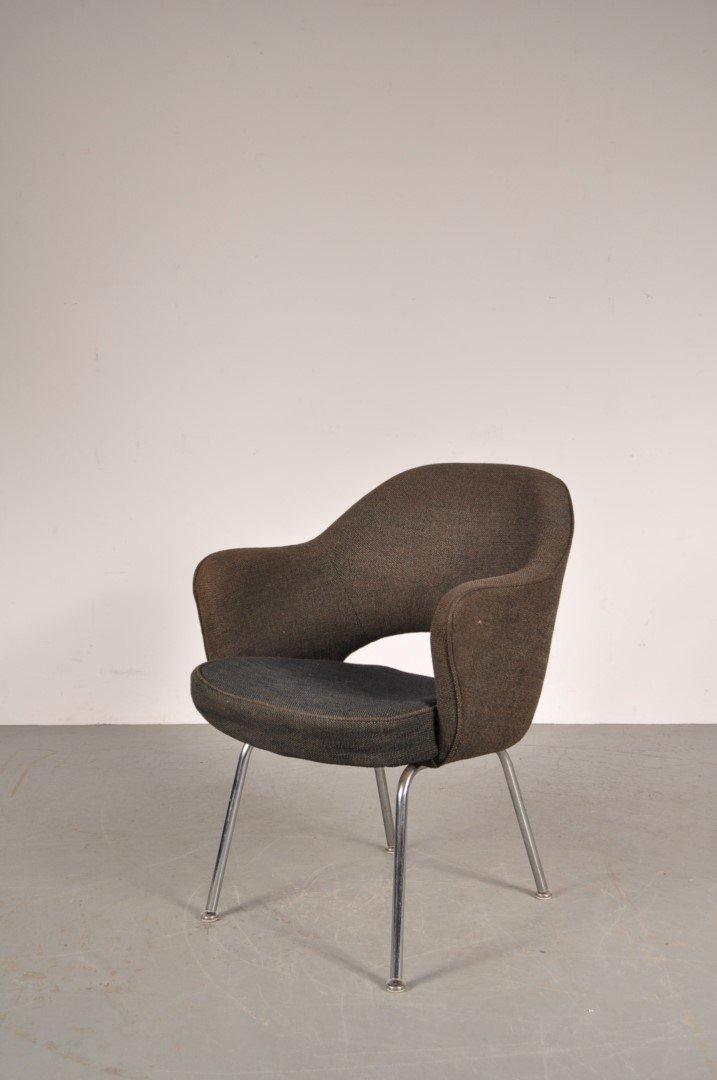 chaise de bureau par ero saarinen pour knoll international. Black Bedroom Furniture Sets. Home Design Ideas