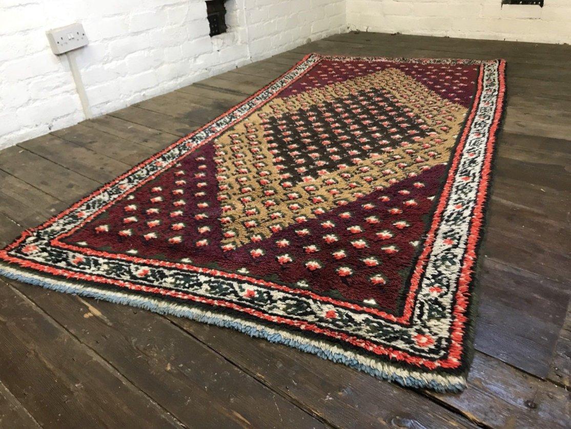 tapis poils longs beni ouarain berb re vintage en laine maroc en vente sur pamono. Black Bedroom Furniture Sets. Home Design Ideas