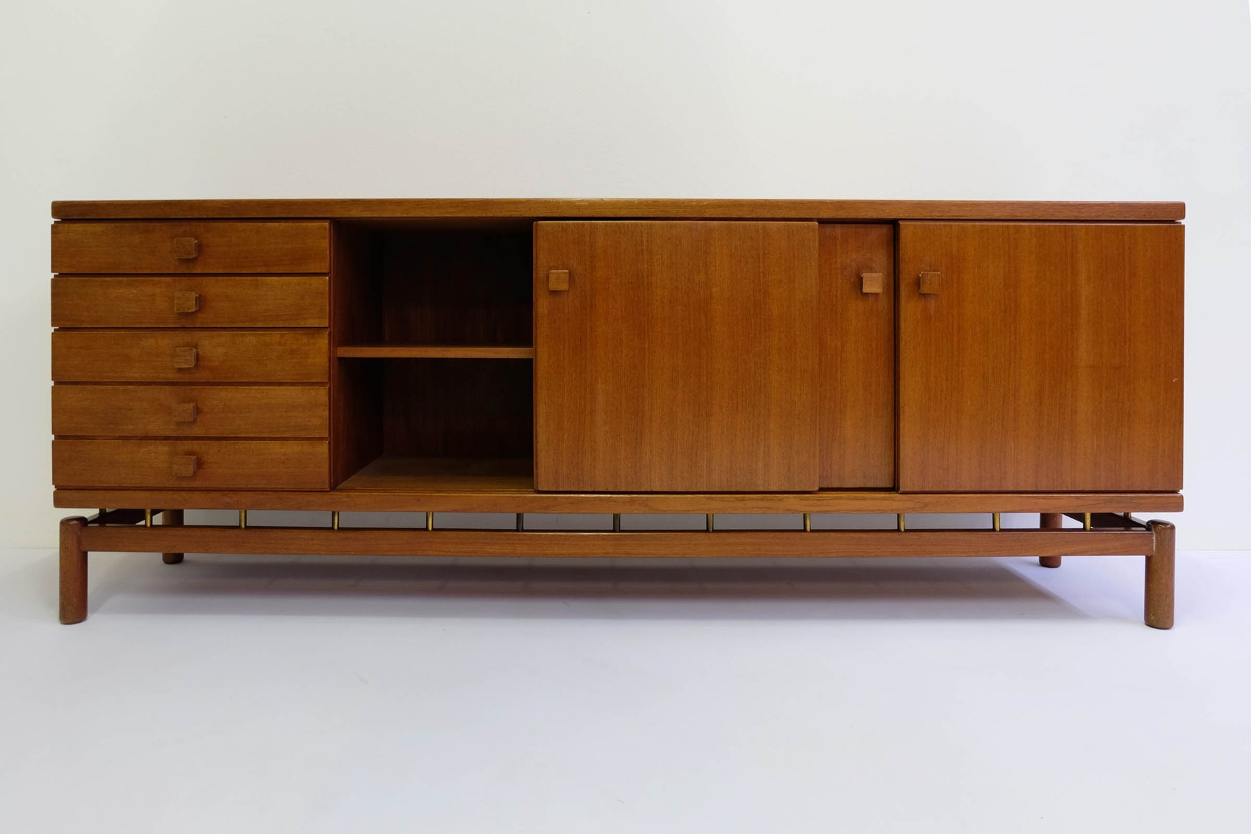 teak sideboard von ilmari tapiovaara f r la permanente cant 1957 bei pamono kaufen. Black Bedroom Furniture Sets. Home Design Ideas