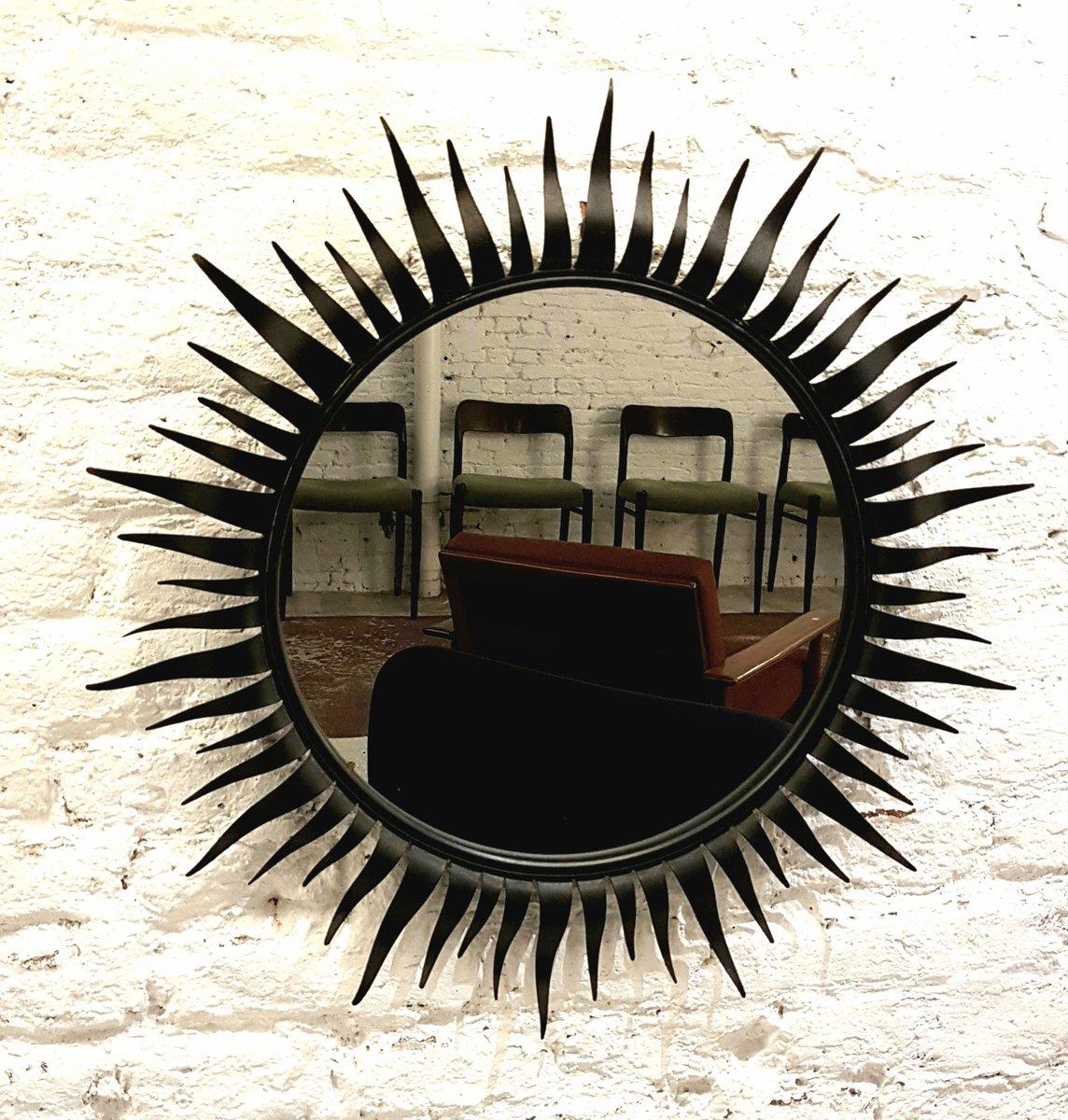 Specchio rotondo con cornice in ferro battuto a forma di sole di chaty vallauris anni 39 50 in - Specchio a forma di sole ...