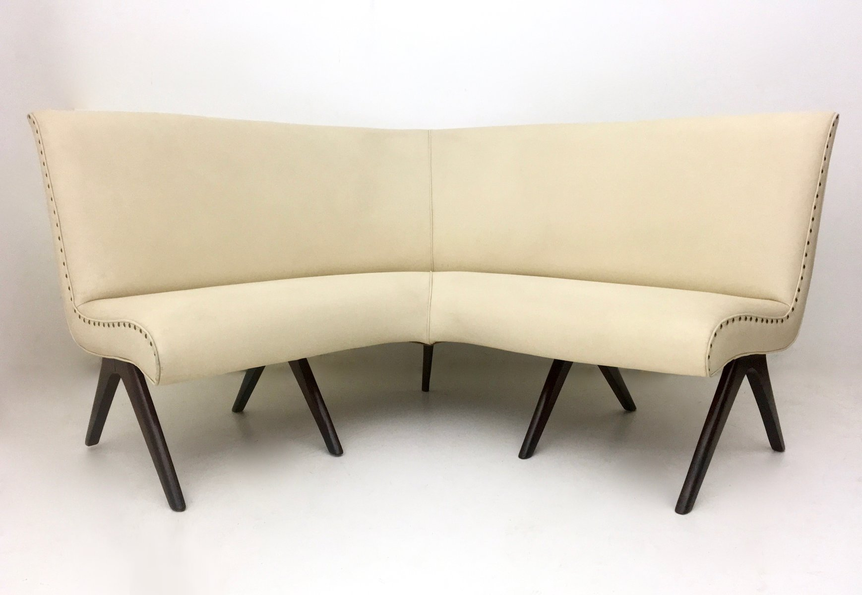 canap d angle en ska ivoire et bois 1950s en vente sur pamono. Black Bedroom Furniture Sets. Home Design Ideas