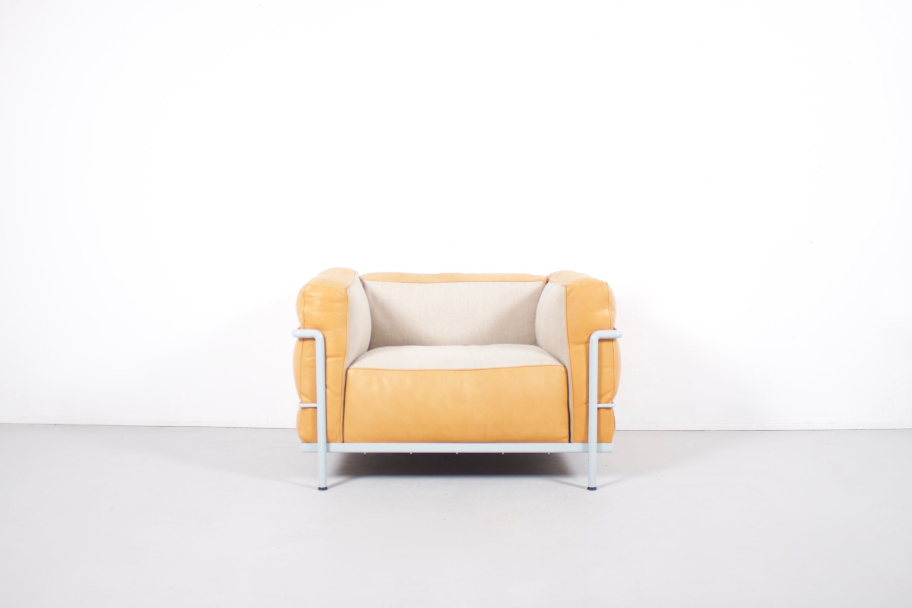 vintage lc3 grand confort stuhl von le corbusier pierre. Black Bedroom Furniture Sets. Home Design Ideas