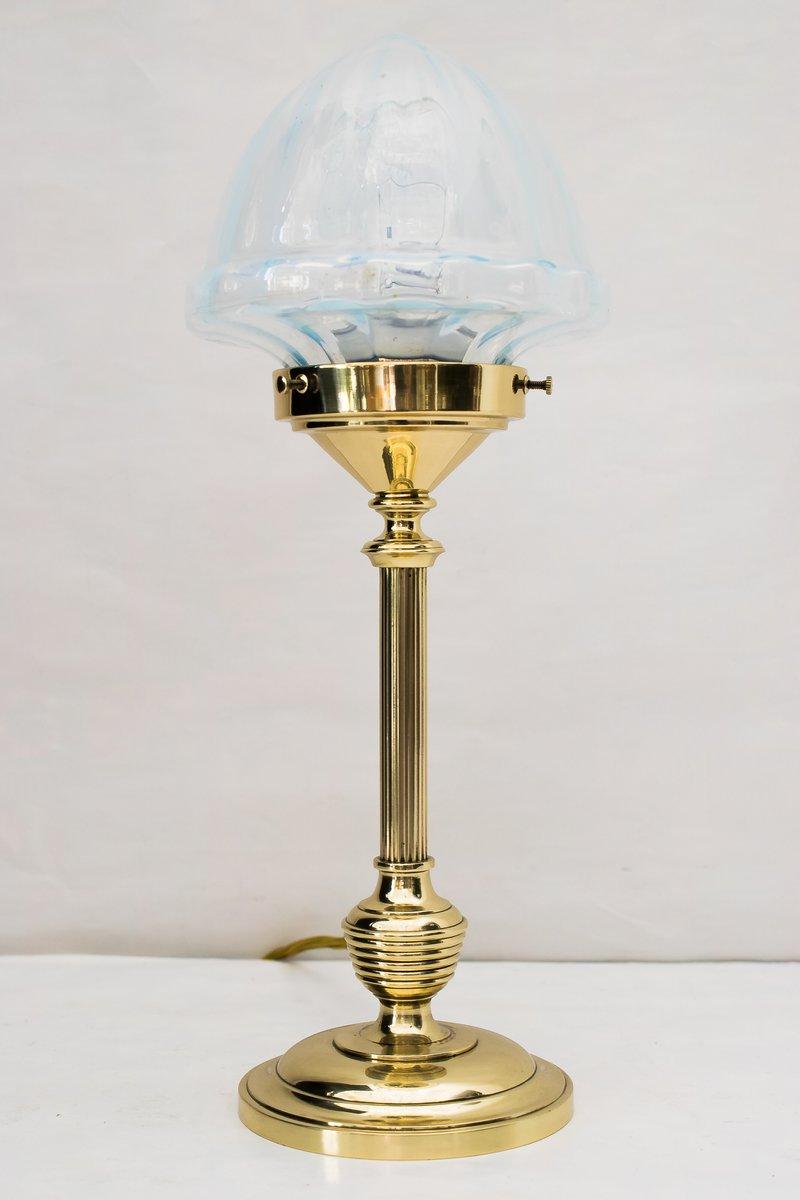 Art Deco Tischlampe mit Leuchte aus Opalglas, 1920er
