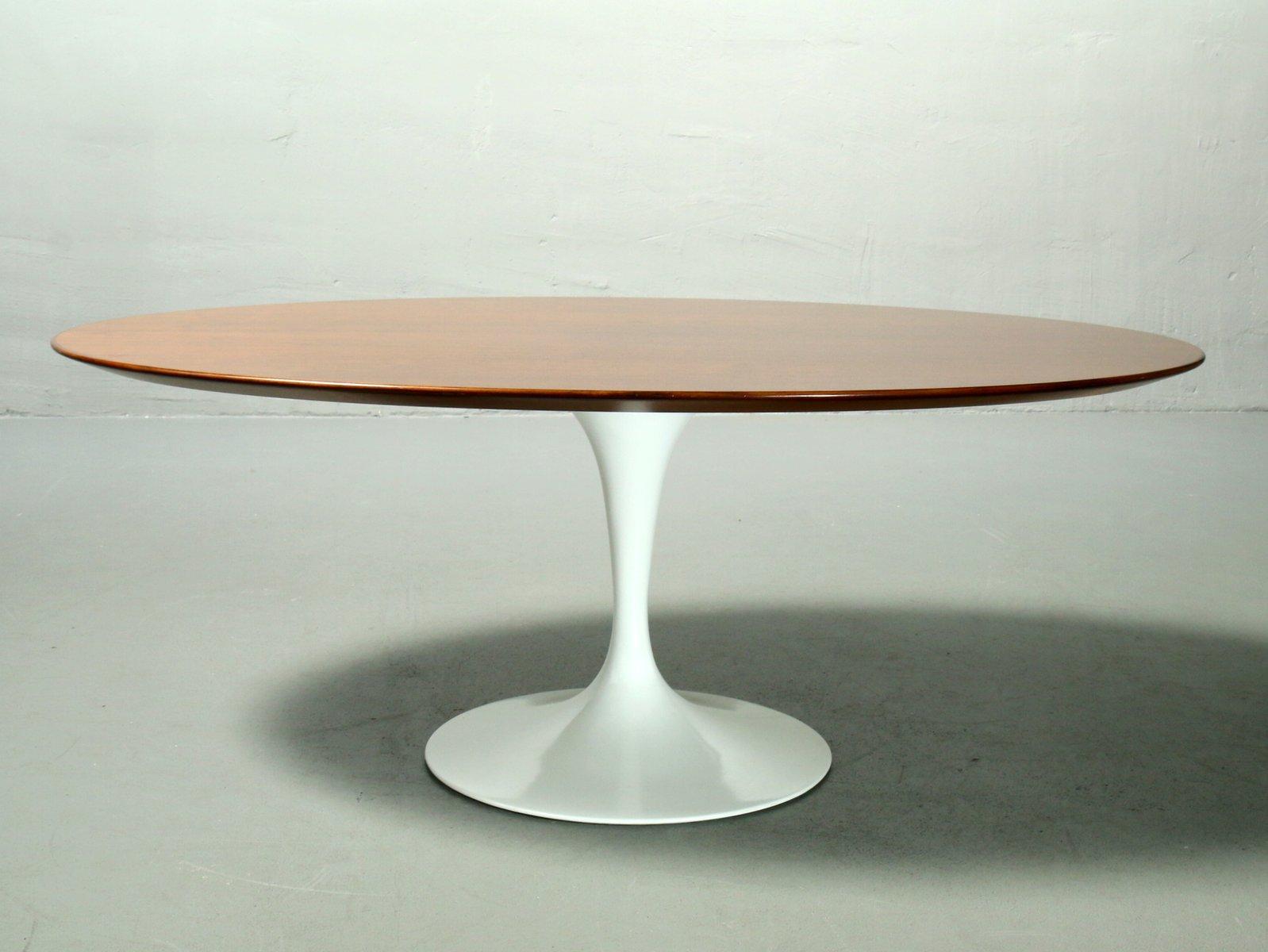 Ovaler Couchtisch mit Furnier aus Holz von Eero Saarinen für Knoll Int...