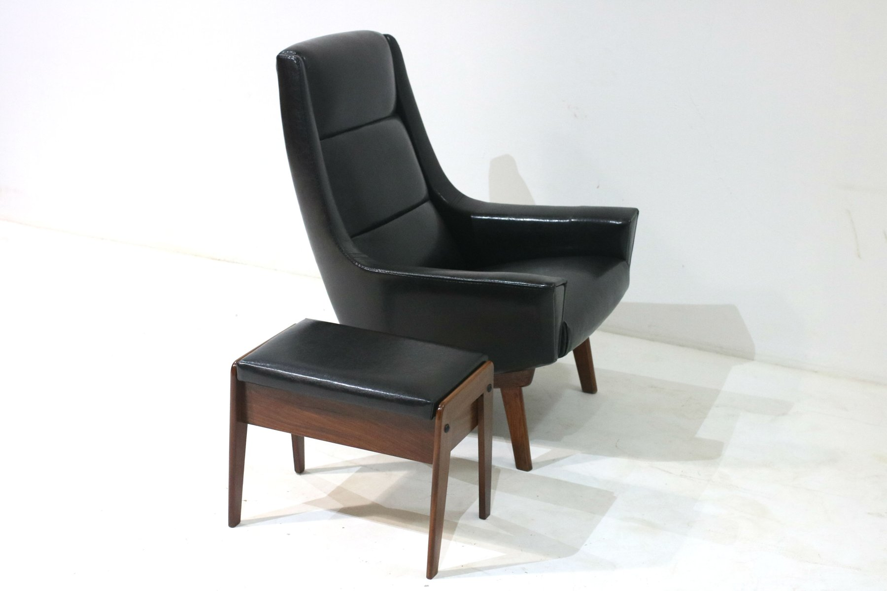 d nischer sessel hocker 1960er bei pamono kaufen. Black Bedroom Furniture Sets. Home Design Ideas