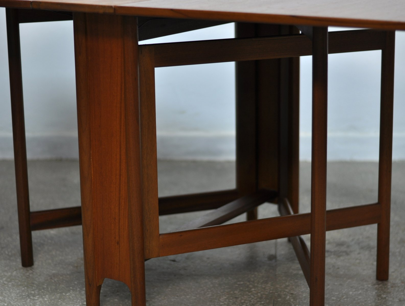 table de salle manger mid century en pliable de mcintosh. Black Bedroom Furniture Sets. Home Design Ideas