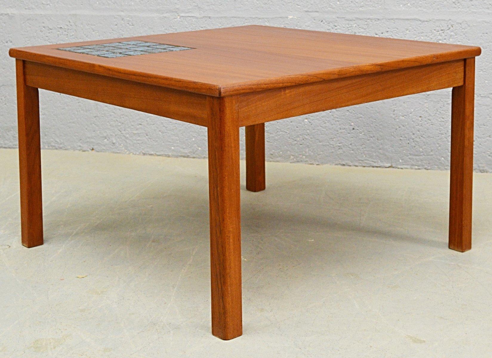 Table basse mid century en teck avec carreaux bleux 1960s - Table basse en teck ...