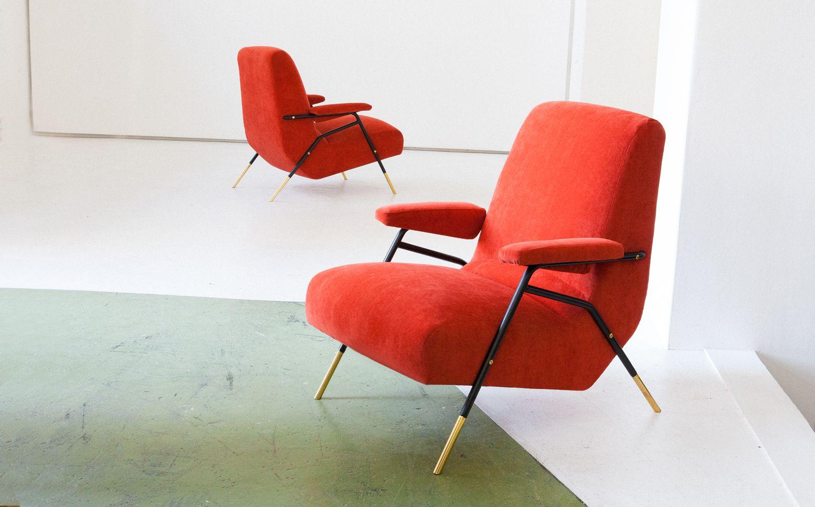 orange italienische mid century samt sessel mit rahmen aus eisen messing 1950er 2er set bei. Black Bedroom Furniture Sets. Home Design Ideas