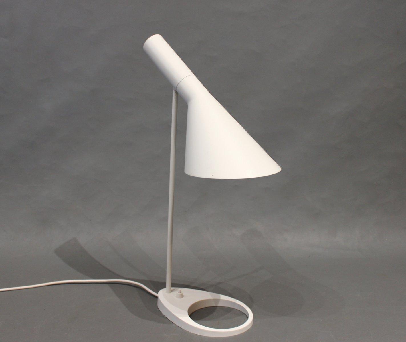 Weiße Tischlampe von Arne Jacobsen für Louis Poulsen, 1960er