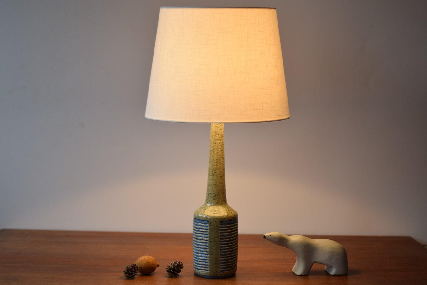 Lampada da tavolo blu e verde chiaro di per linnemann - Lampada da tavolo verde ...