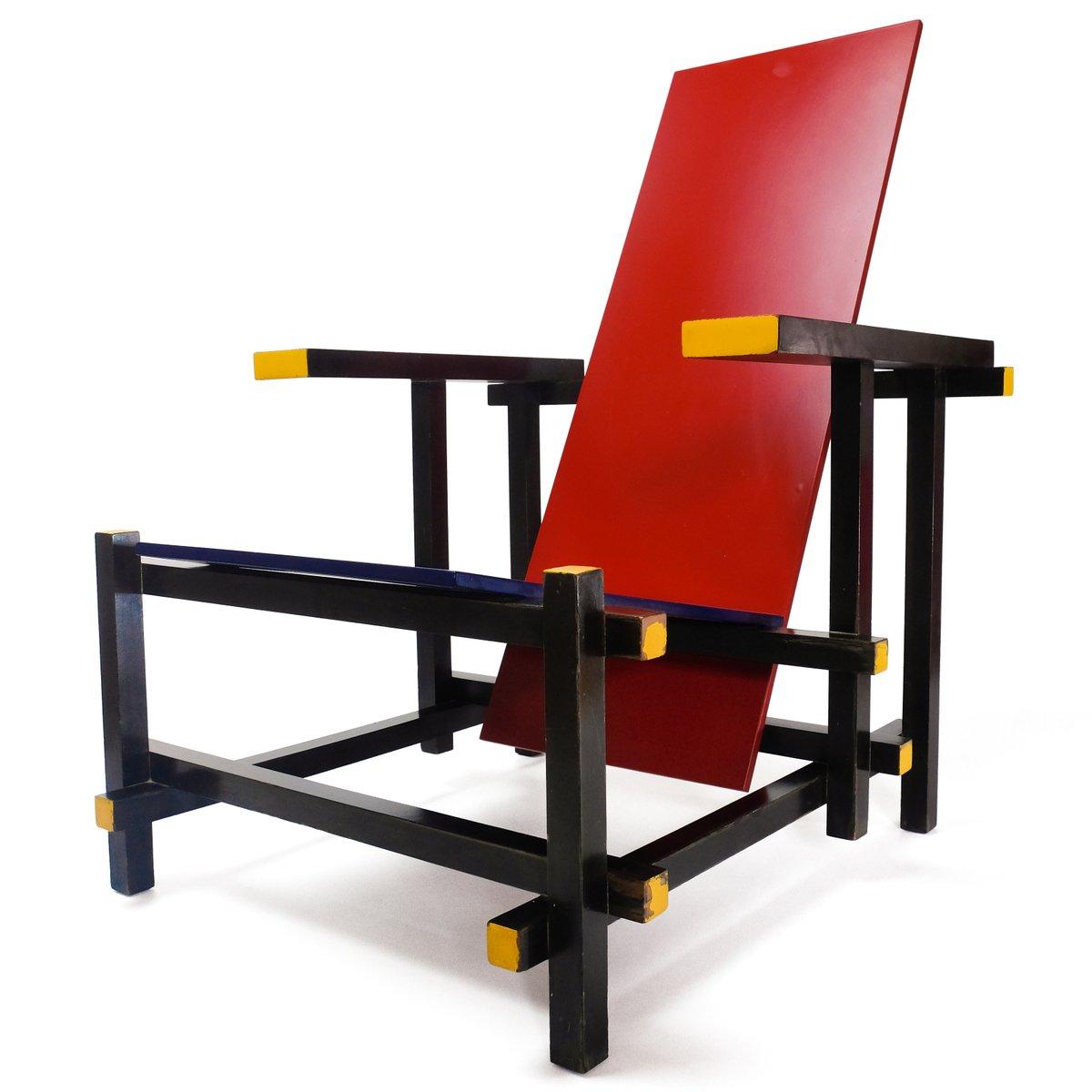 chaise rouge bleue par gerrit thomas rietveld pour cassina 1970s en vente sur pamono. Black Bedroom Furniture Sets. Home Design Ideas