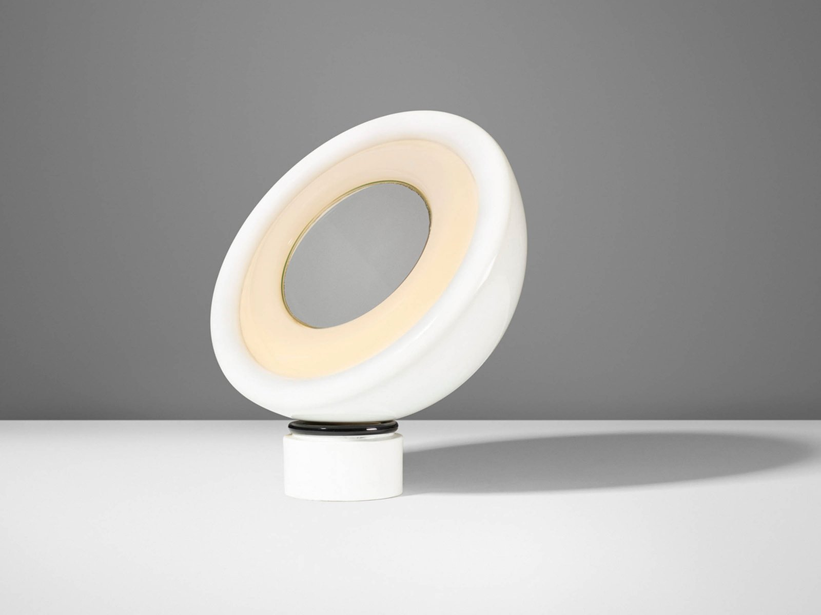 rotierende lampe mit spiegelglas von elio martinelli f r. Black Bedroom Furniture Sets. Home Design Ideas