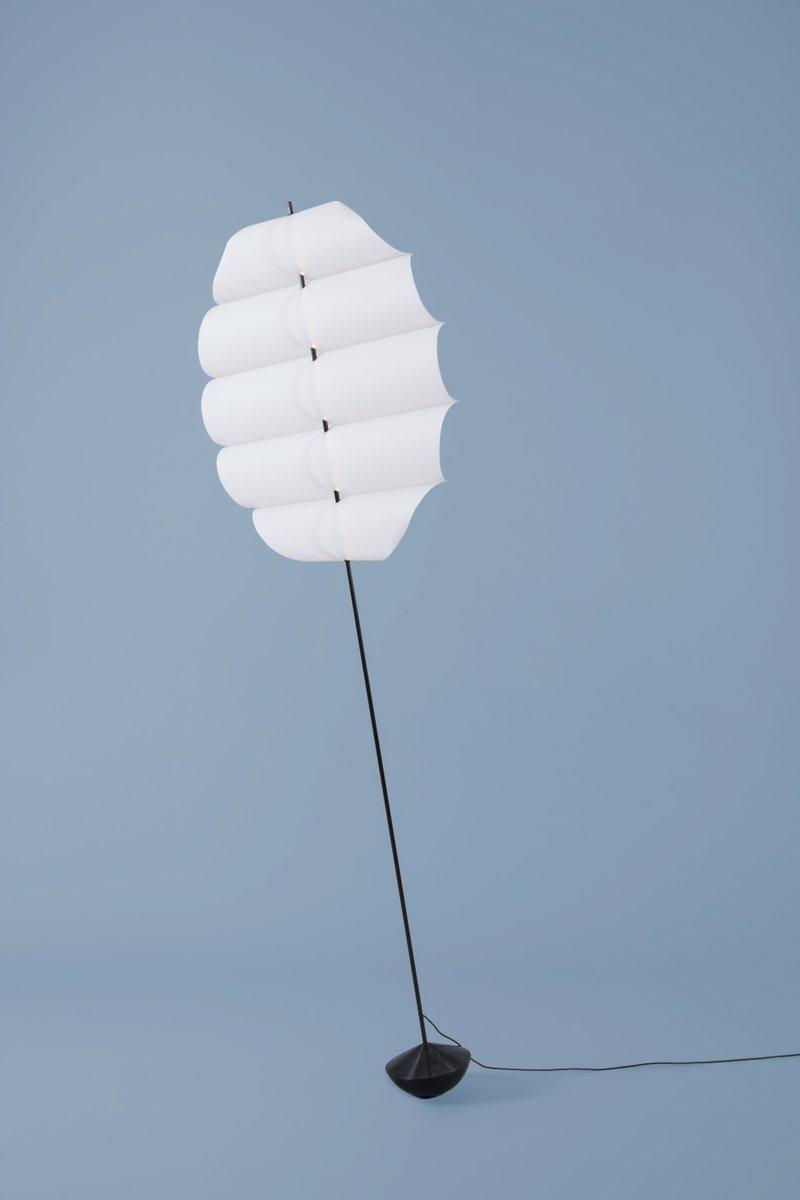 Schwankende Runde Stehlampe von David Derksen