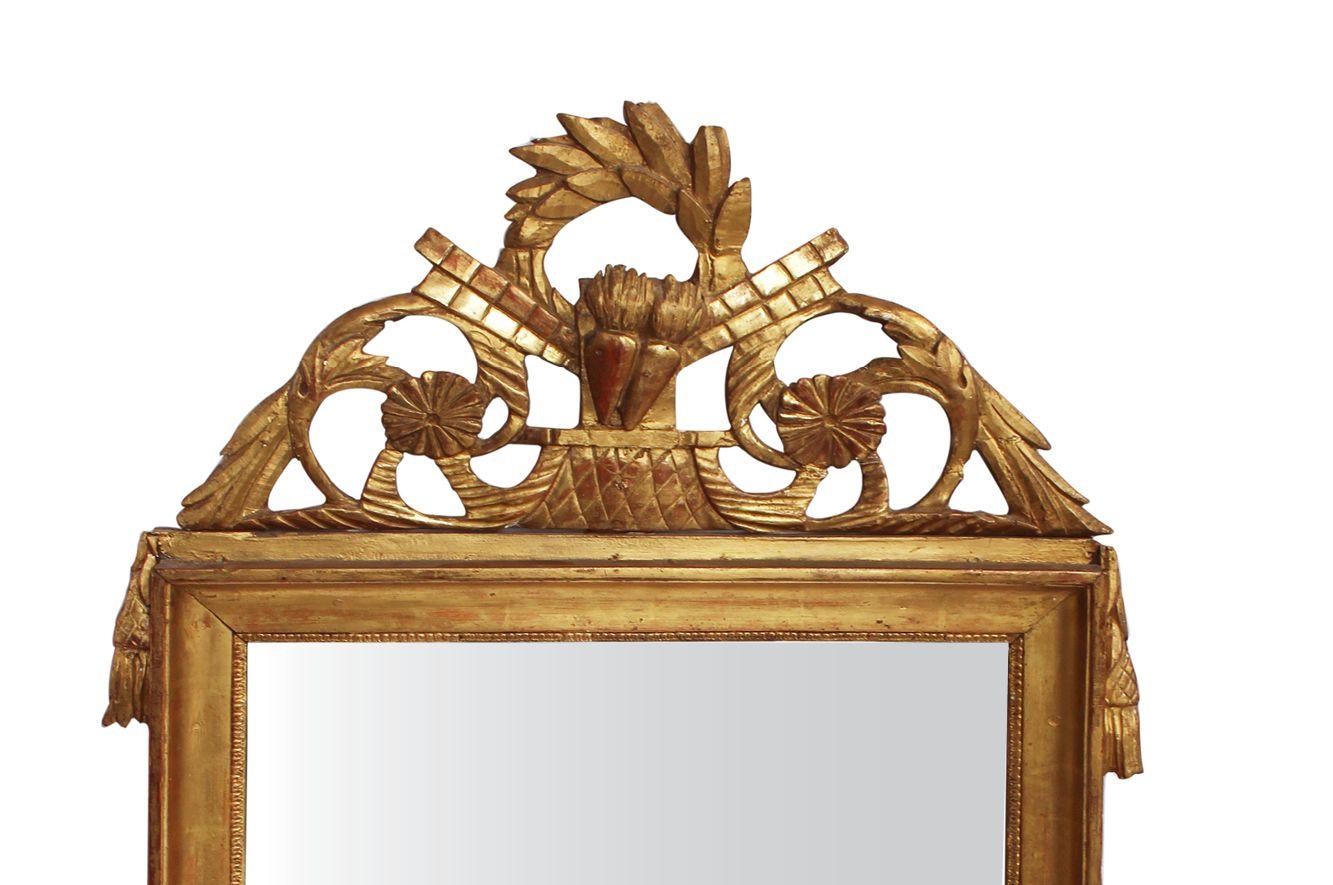 Französischer Goldfarbener Spiegel mit Holzrahmen im Empire Stil, 19 ...