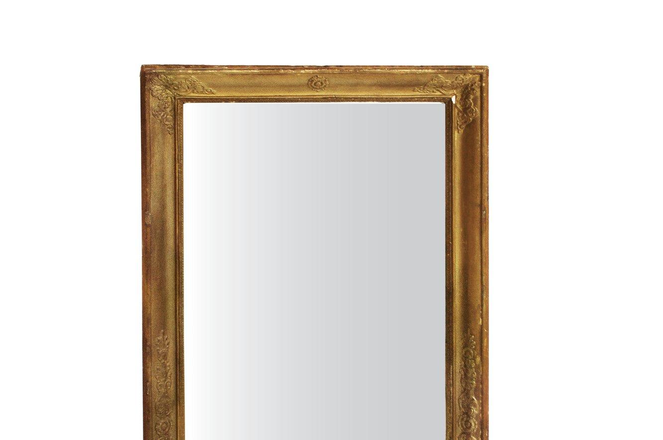 Specchio antico rettangolare in legno dorato in vendita su pamono - Specchio dorato antico ...