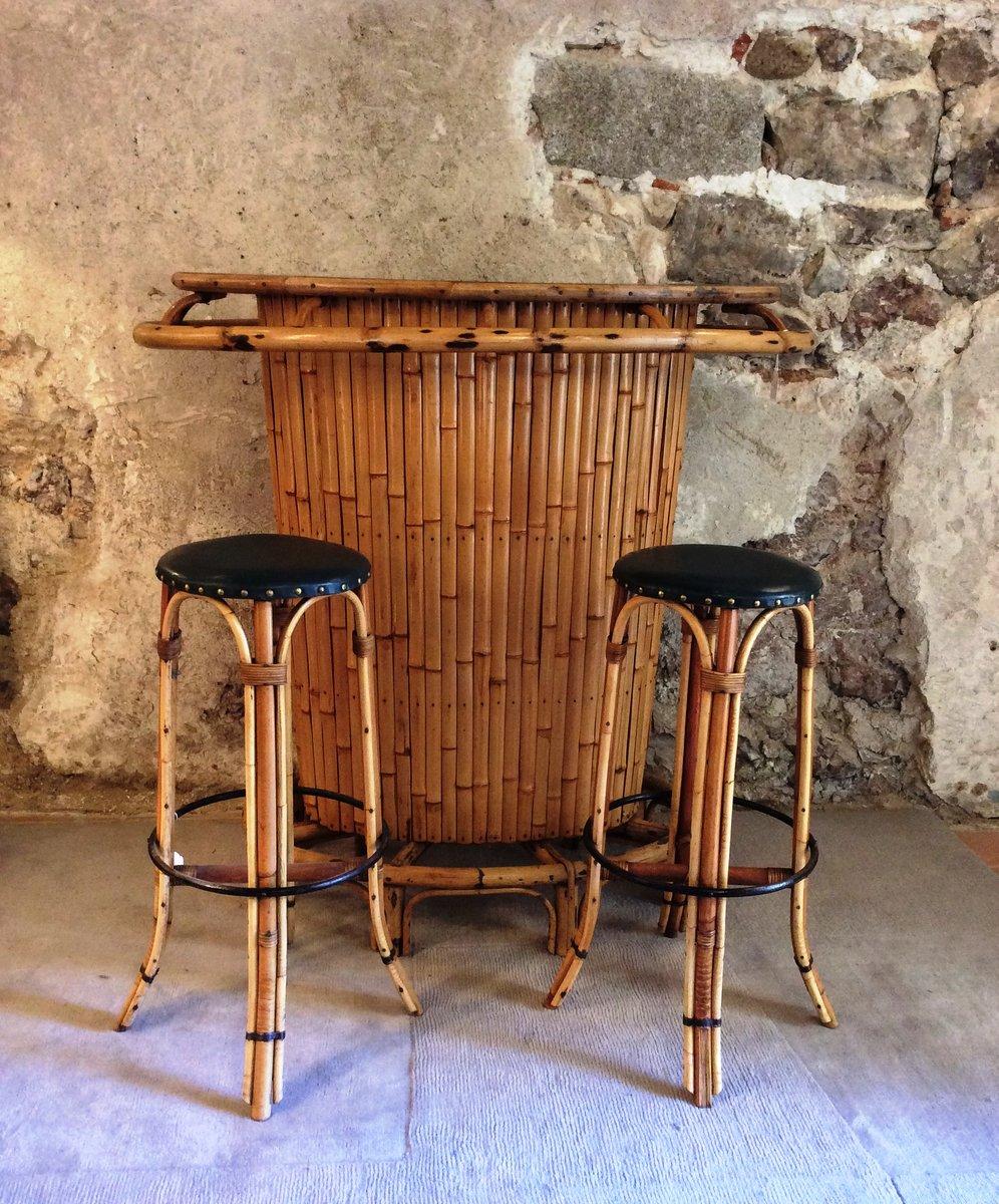 Mueble bar Tiki vintage de bambú con 2 taburetes, años 60 en venta ...