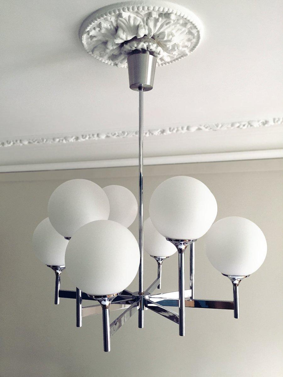 Kronleuchter aus Chrom & Opalglas mit 8 Leuchten von Gaetano Sciolari,...