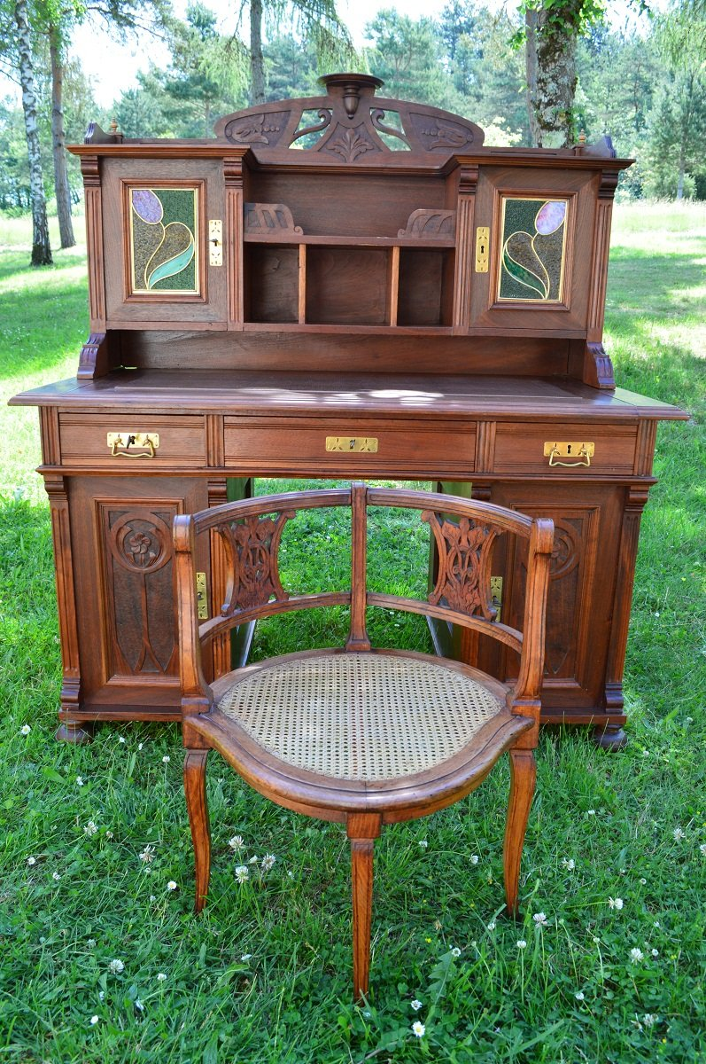 bureau fauteuil antiques art nouveau en noyer sculpt en vente sur pamono. Black Bedroom Furniture Sets. Home Design Ideas