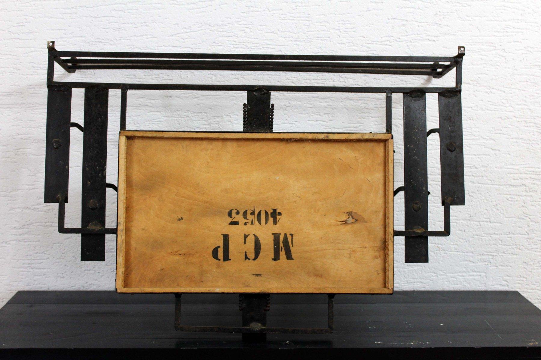 schmiedeeisene vintage garderobe mit spiegel im art deco. Black Bedroom Furniture Sets. Home Design Ideas