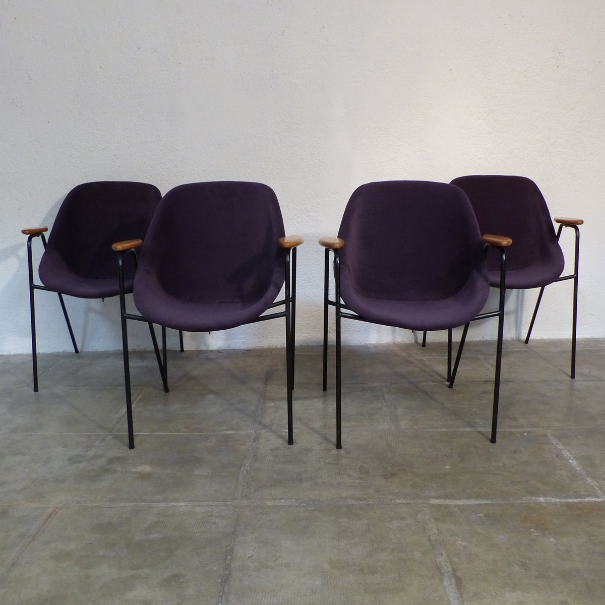 Sedie Da Pranzo Mid Century Di Genevi Ve Dangles Per Burov