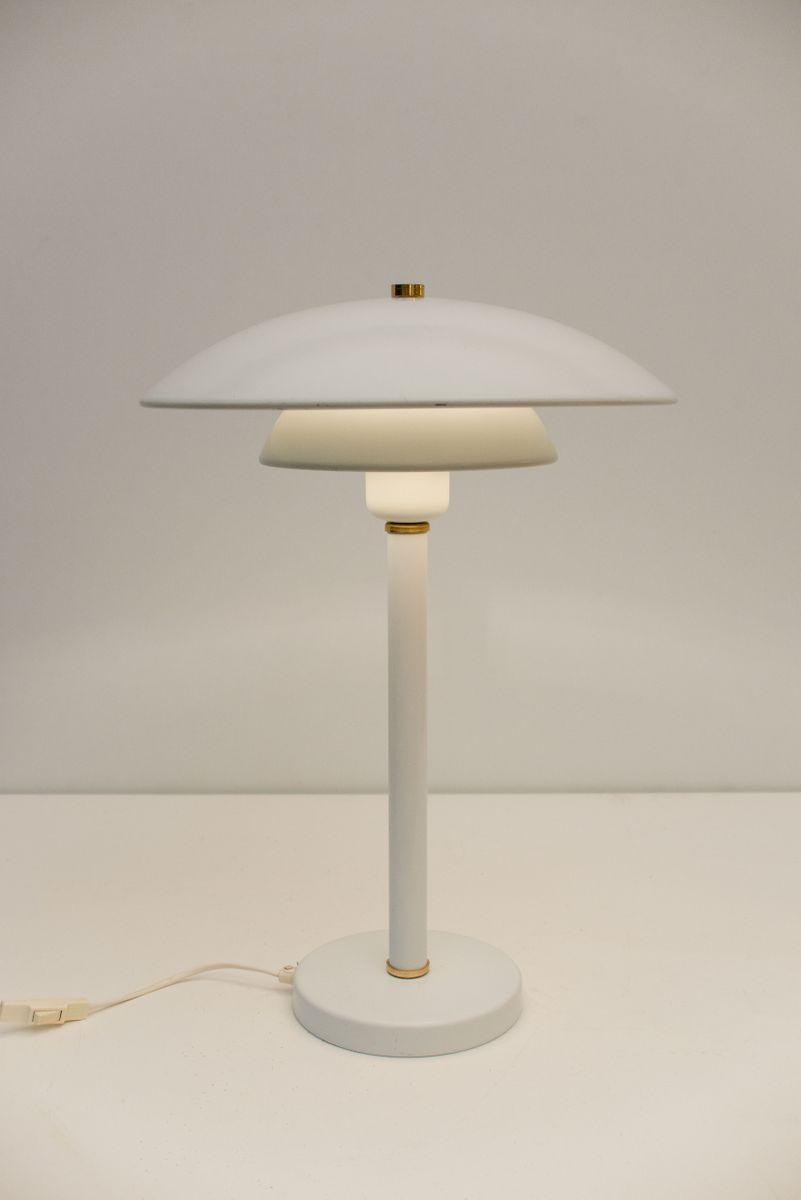 Skandinavische Tischlampe aus weißem Aluminium, 1968