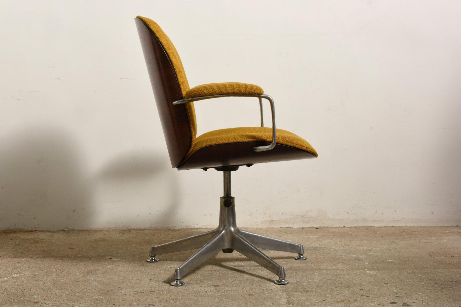 Sedia da ufficio girevole terni con braccioli di ico & luisa parisi