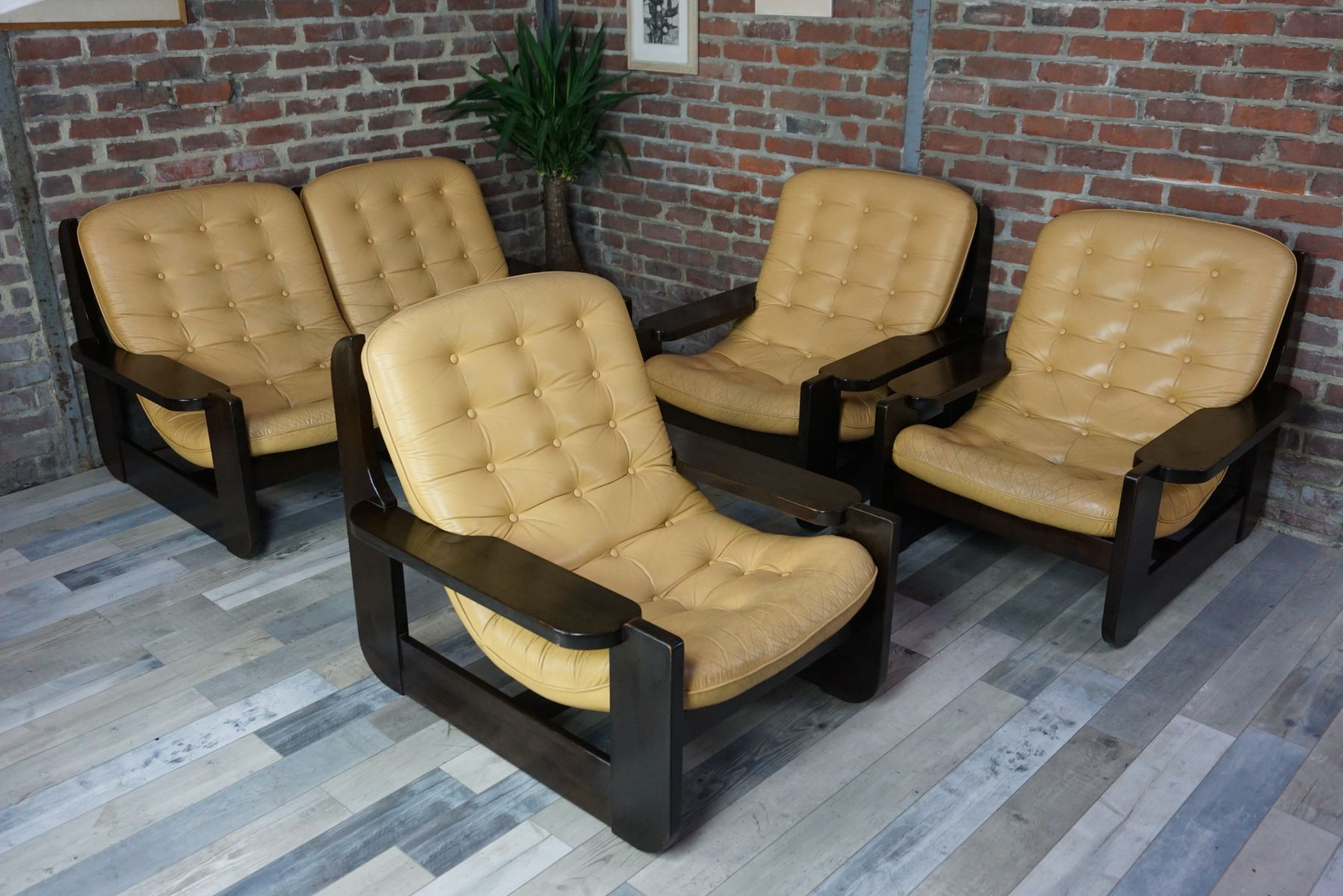 mobilier de salon vintage en bois massif et cuir en vente sur pamono. Black Bedroom Furniture Sets. Home Design Ideas