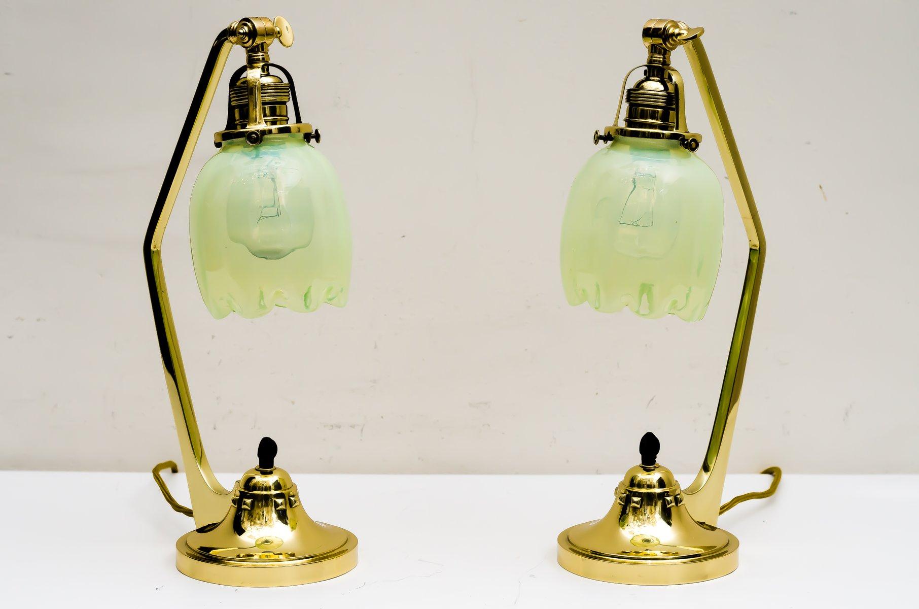 Antike Jugendstil Tischlampen mit Schirmen aus Opalglas, 1909, 2er Set