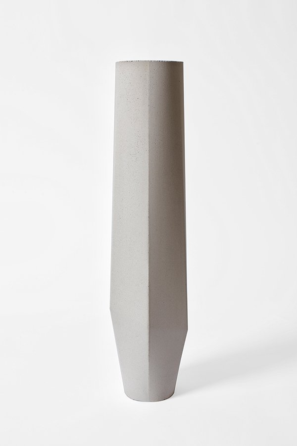 wei e marchigue vasen aus beton von stefano pugliese f r crea concrete design 3er set bei. Black Bedroom Furniture Sets. Home Design Ideas