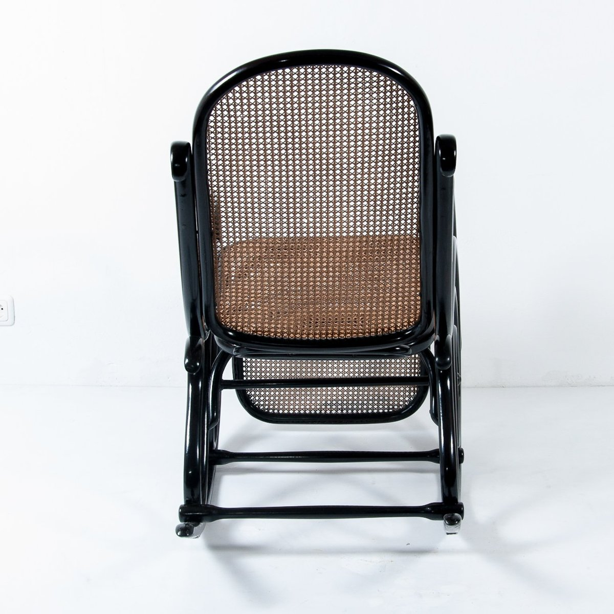 10 Rocking Chair with Footrest from Thonet 6. $12018.00. Price per piece & Antique No. 10 Rocking Chair with Footrest from Thonet for sale at ...