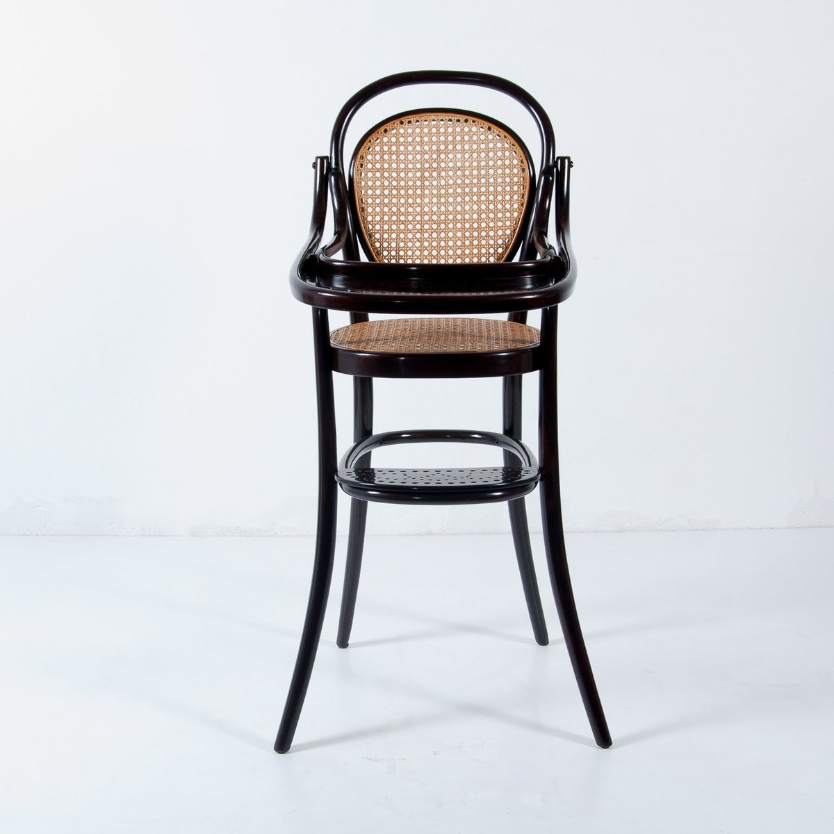 Vintage Nr. 3 Children's Bentwood Highchair from Thonet - Vintage Nr. 3 Children's Bentwood Highchair From Thonet For Sale At