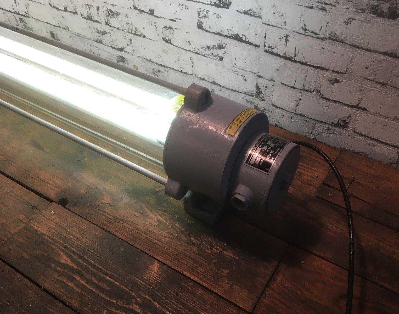 Lampada Tubolare Fluorescente : Lampada vintage industriale fluorescente tubolare di leuchtenbau