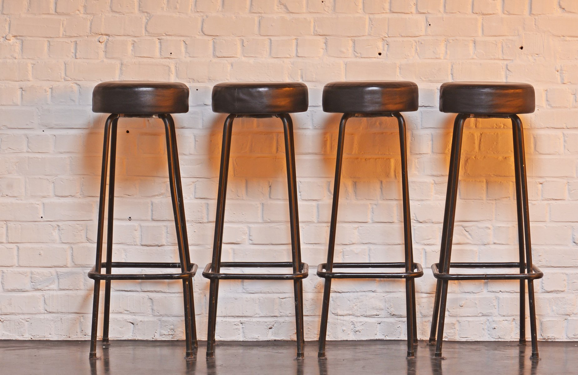 Excellent Mid Century Industrial Bar Stools 1950S Set Of 4 Inzonedesignstudio Interior Chair Design Inzonedesignstudiocom