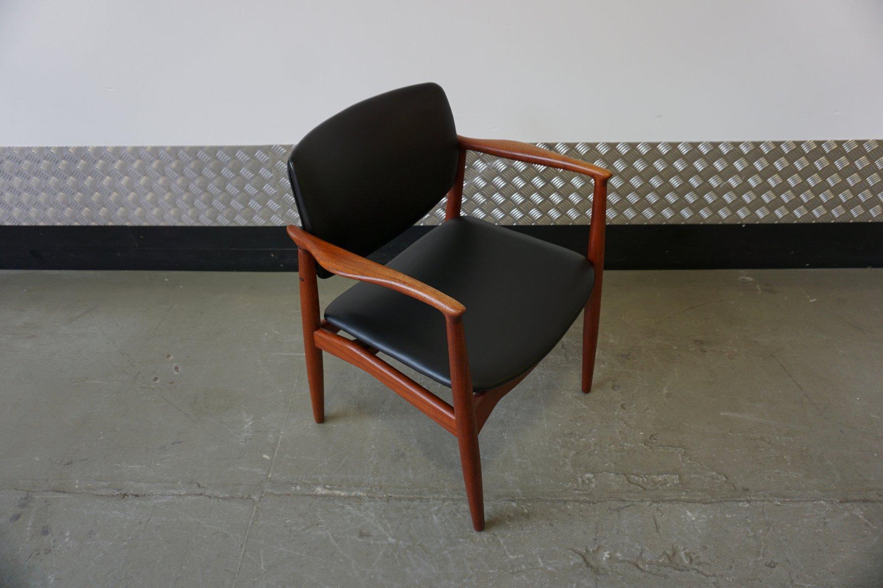 Sedia da scrivania modello 67 di erik buch per orum for Sedia da scrivania design