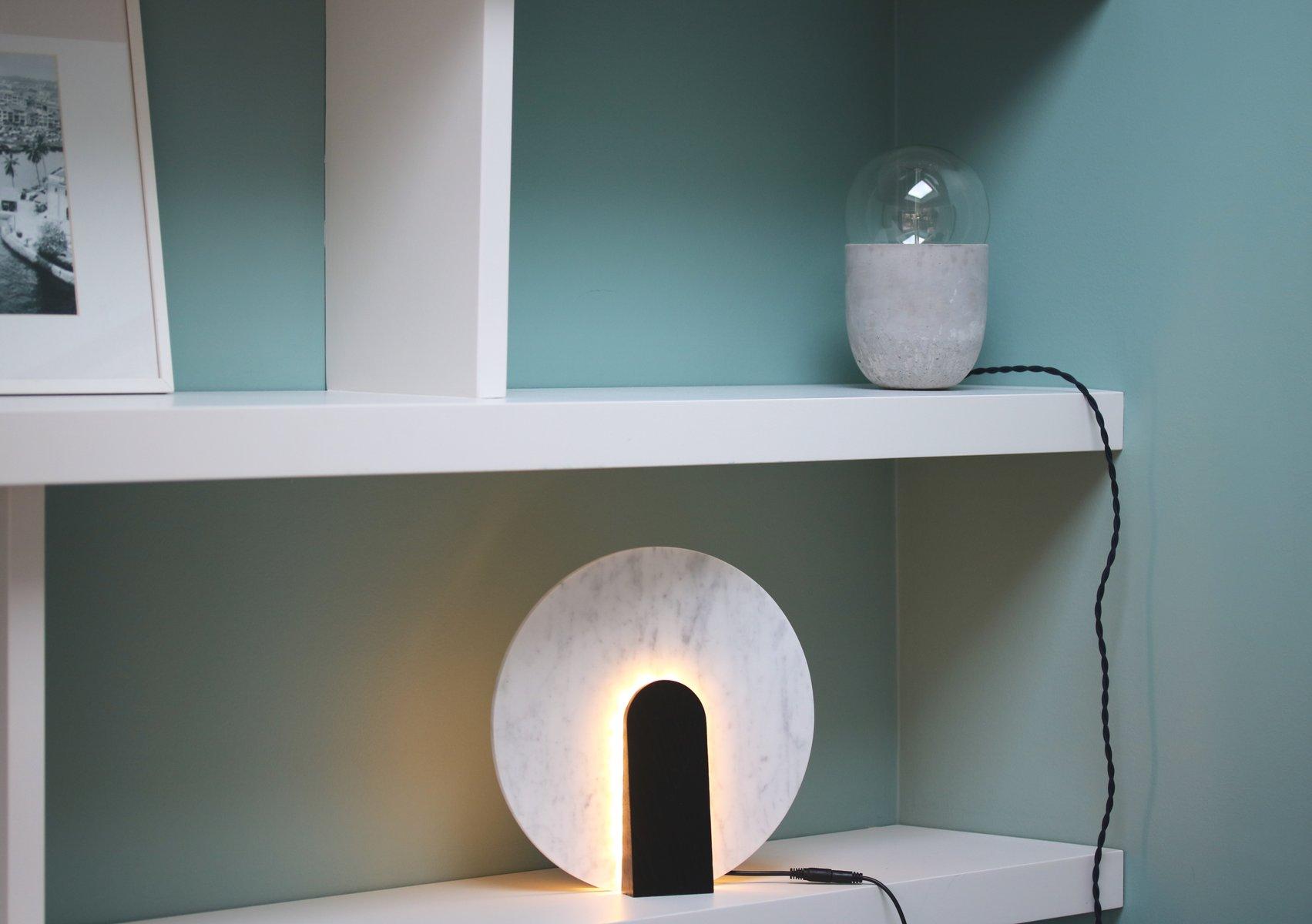 Lune Tischlampe aus Marmor und Gebeiztem Holz von Violaine d´Harcourt,...