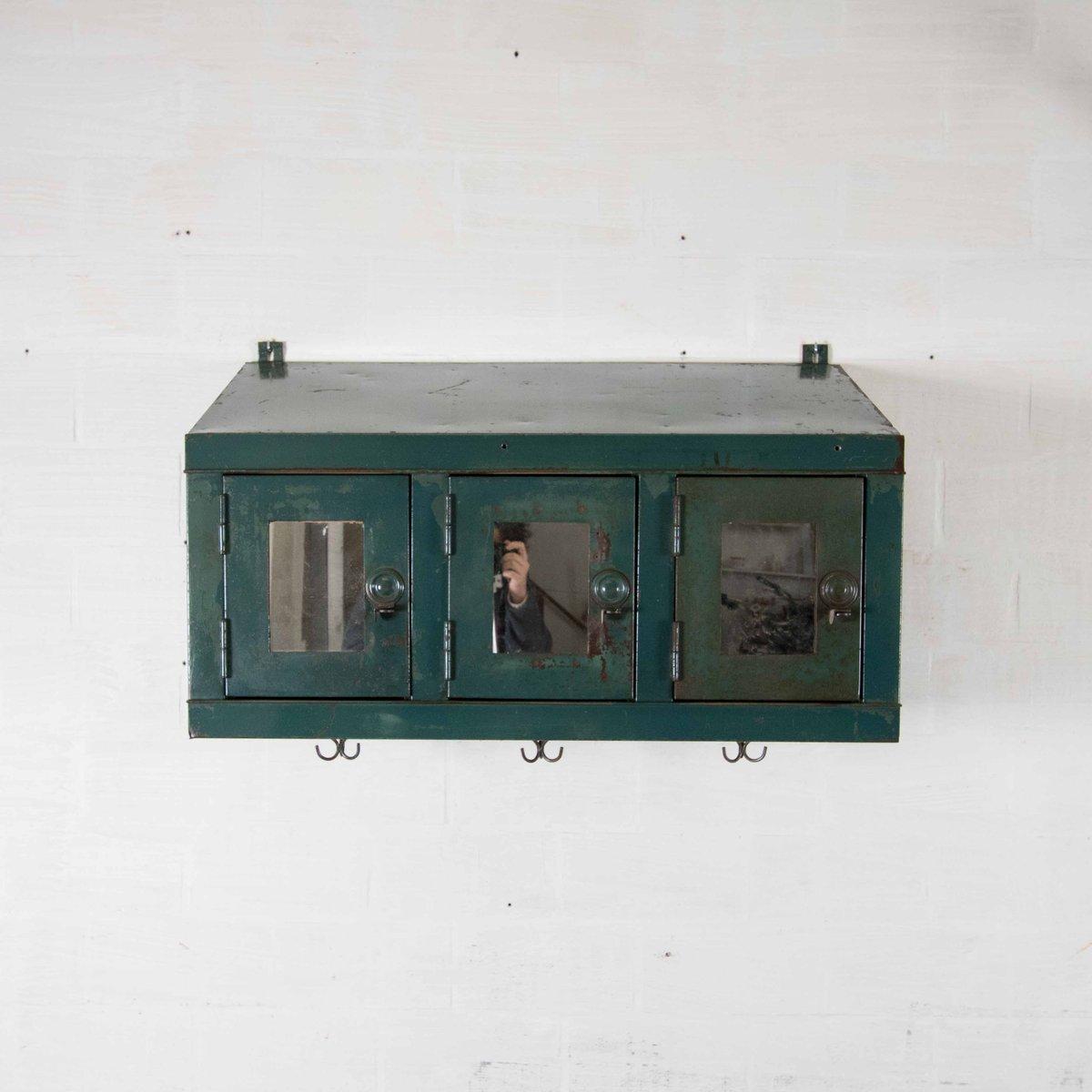 meuble mural industriel vintage en vente sur pamono. Black Bedroom Furniture Sets. Home Design Ideas