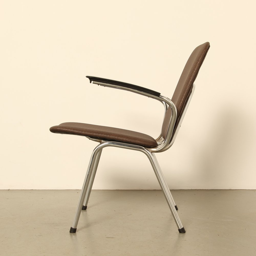 chaise mod le 100 de vepa 1960s en vente sur pamono. Black Bedroom Furniture Sets. Home Design Ideas