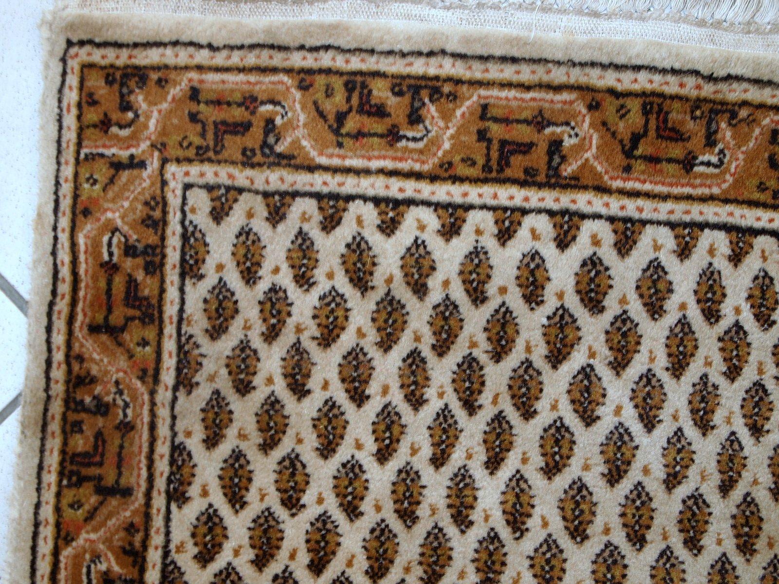 handgearbeiteter indischer vintage teppich im seraband. Black Bedroom Furniture Sets. Home Design Ideas