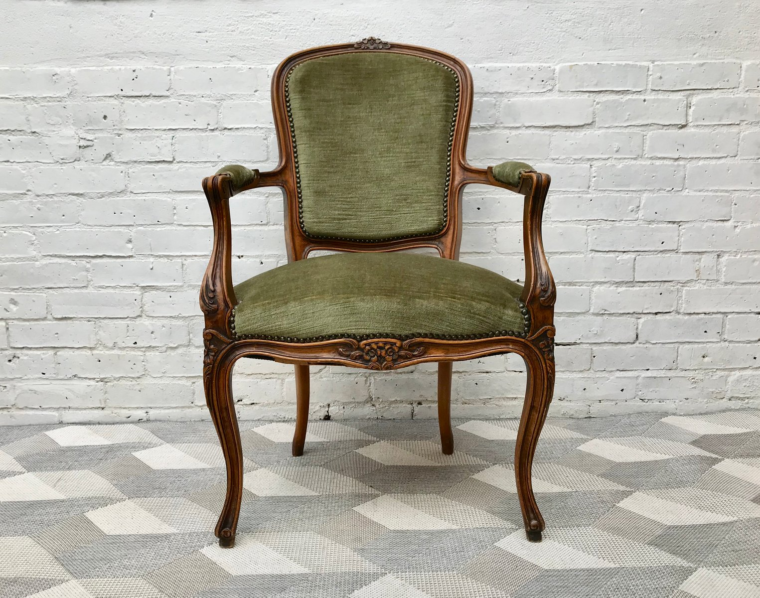 Ordinaire Vintage French Louis XVI Style Wooden Chair