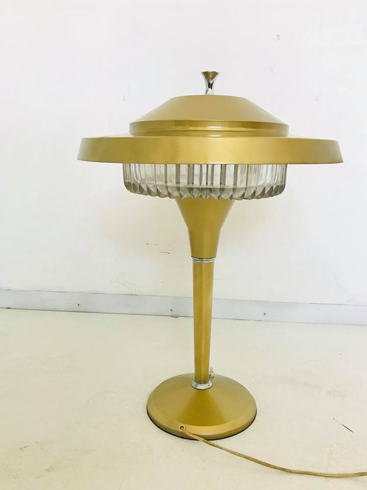 Italienische Vintage Aluminium Tischlampe von Artemide, 1970er