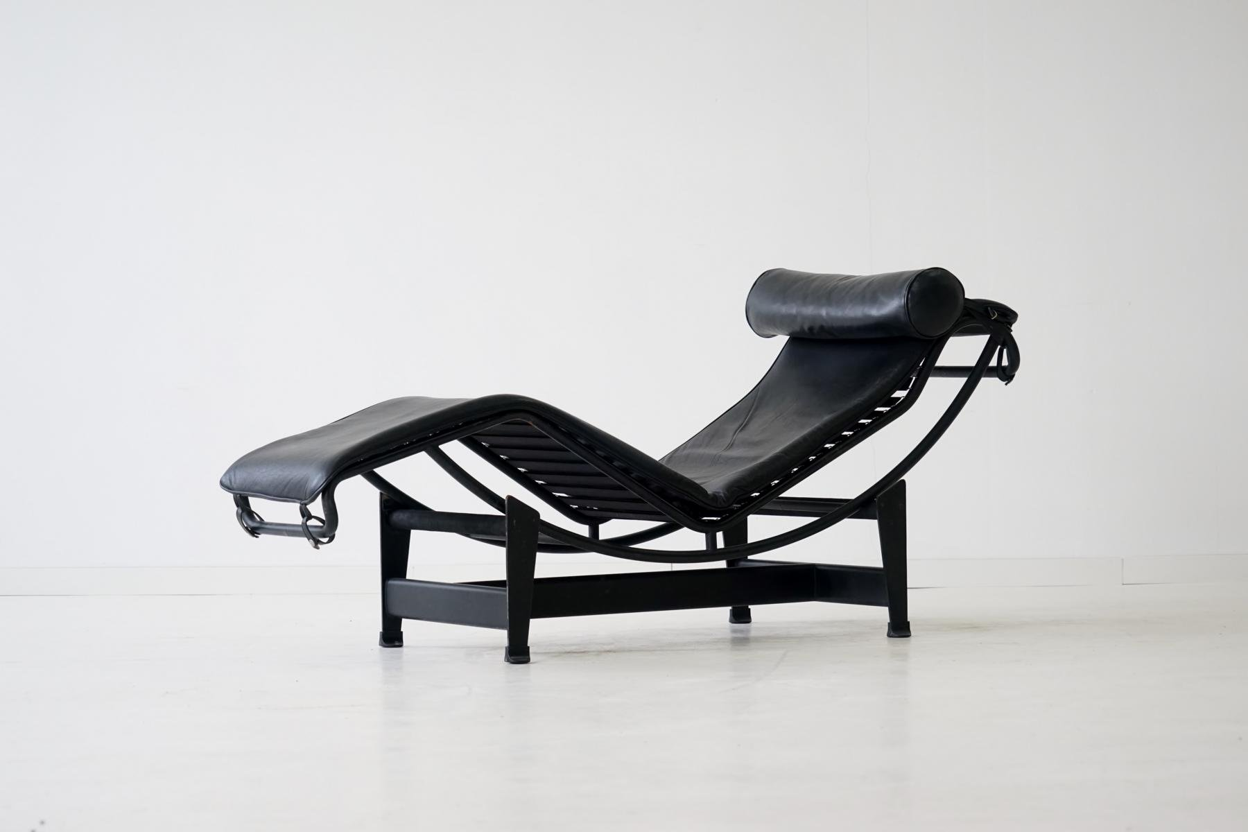 Vintage LC4 Chaise Longue by Le Corbusier for Cassina for sale at Pamono