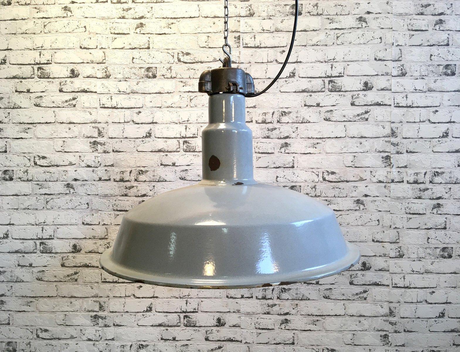 Industrielle Graue Emaillierte Mid-Century Fabrik Lampe