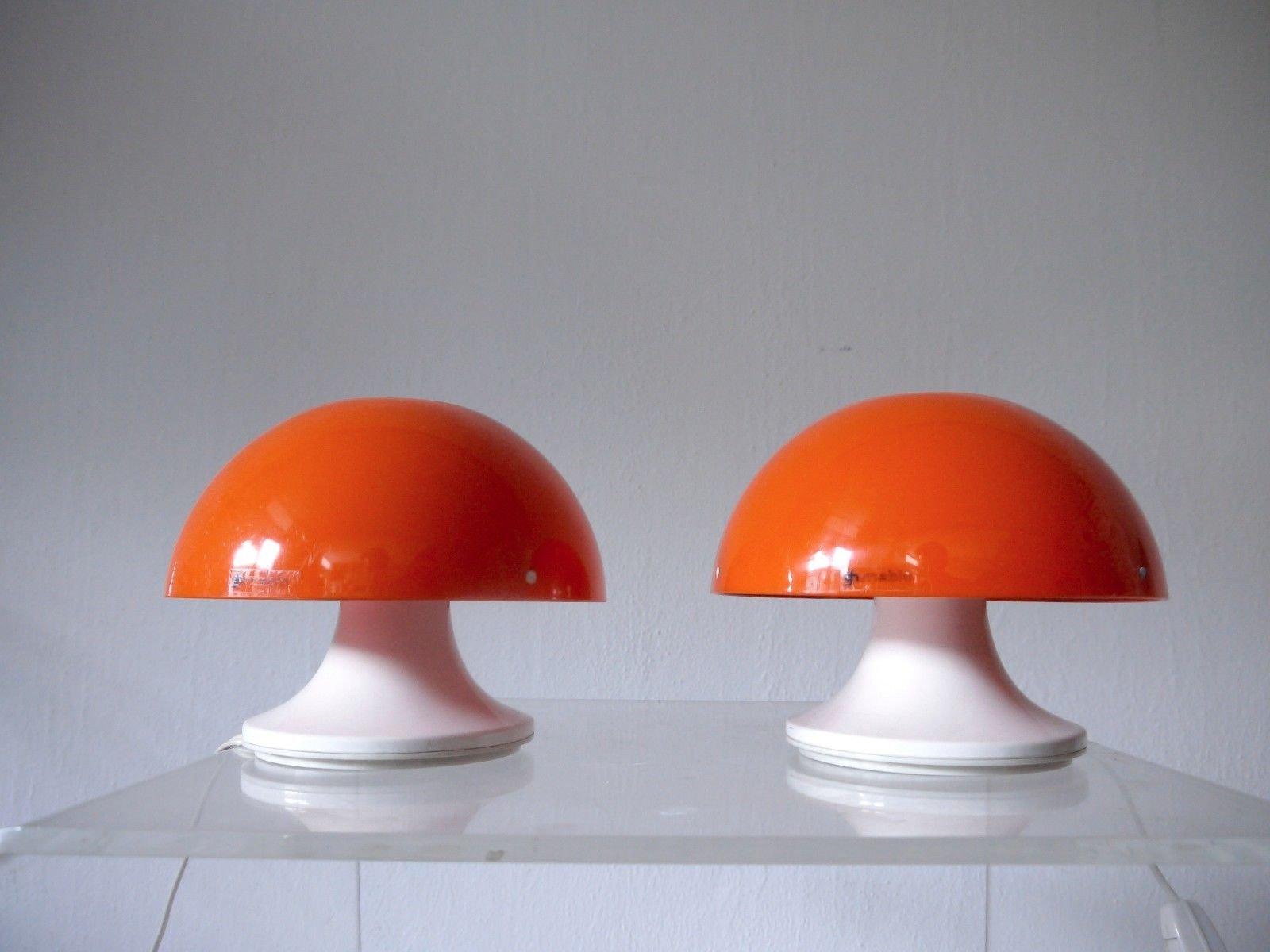 Italienische Vintage Tischlampen von Luigi Massoni für Guzzini, 1960er...