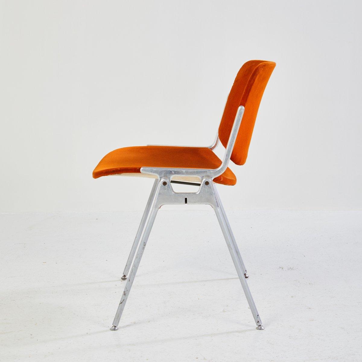 chaise d 39 appoint dsc 106 par giancarlo piretti pour. Black Bedroom Furniture Sets. Home Design Ideas