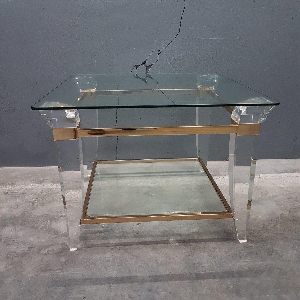 Couchtisch aus plexiglas brass und glas 1980er bei for Plexiglas couchtisch