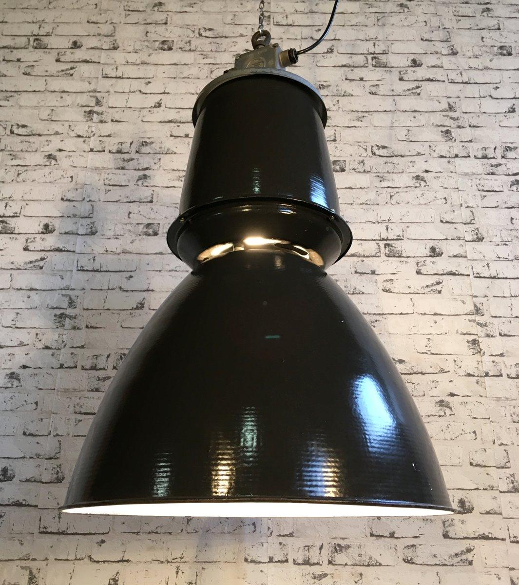 gro e schwarze fabrik h ngelampe von elektrosvit 1950er bei pamono kaufen. Black Bedroom Furniture Sets. Home Design Ideas