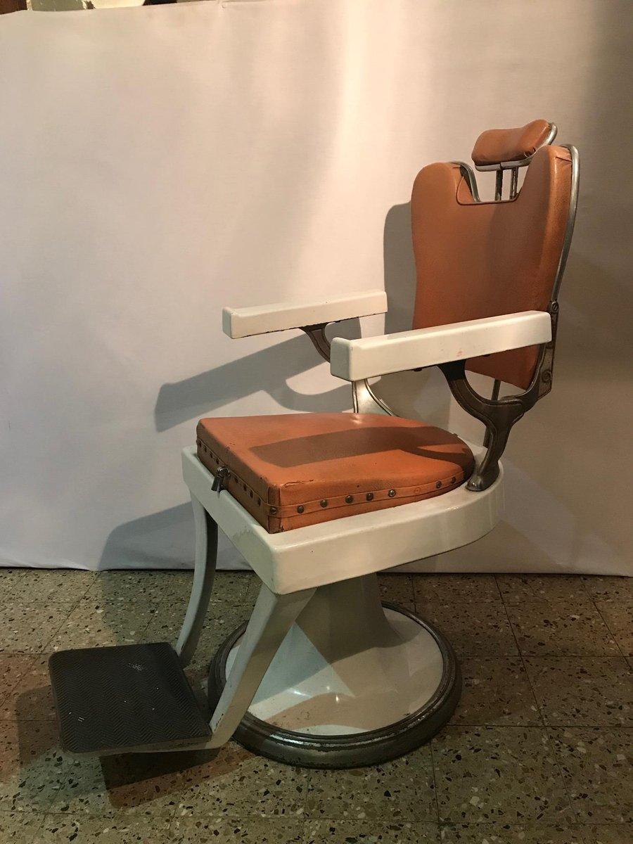 Sedia vintage da barbiere, Francia in vendita su Pamono