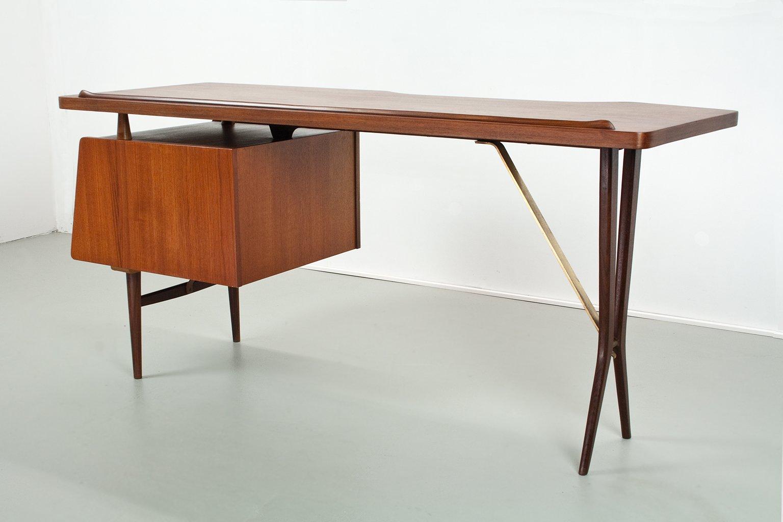 niederl ndischer mid century teak schreibtisch von louis van teeffelen f r w b 1950er bei. Black Bedroom Furniture Sets. Home Design Ideas